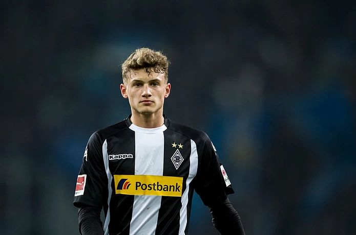 Michaël Cuisance playing at Borussia Monchengladbach