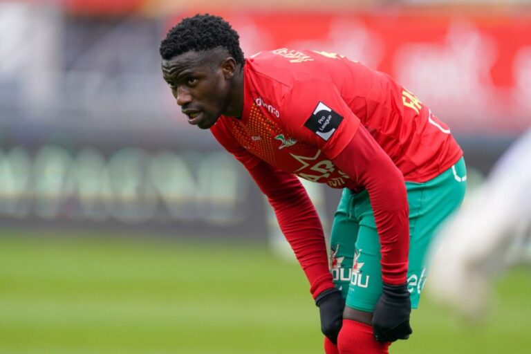 New Rangers striker Fashion Sakala playing for KV Oostende