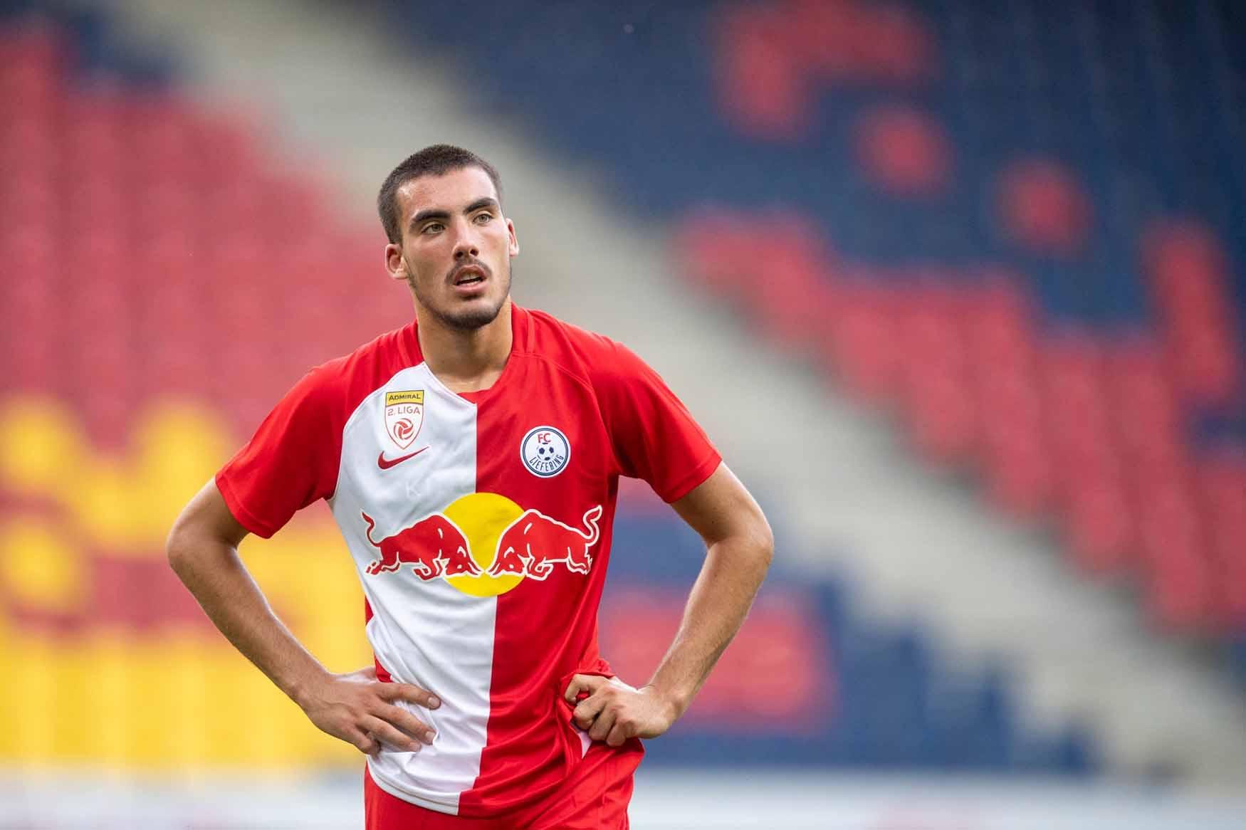 Roko Šimić playing for Red Bull Salzburg